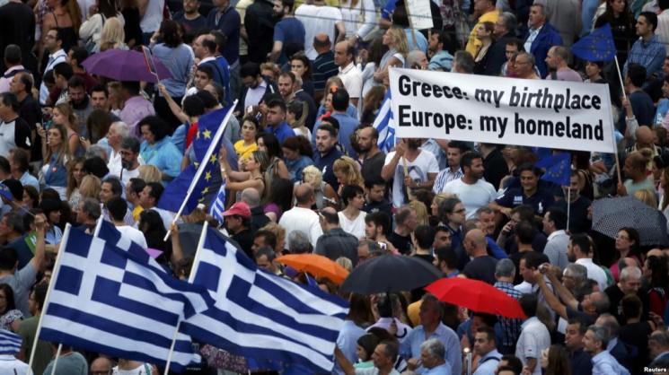 Греческий вариант Беларуси не грозит - в долг нам столько никто не даст