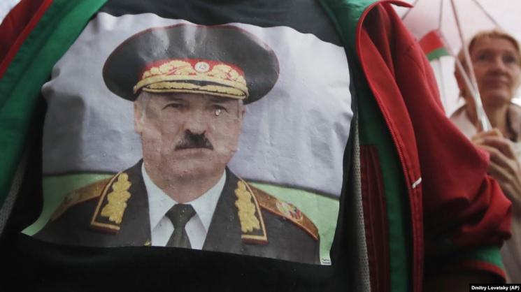 'Не уверены, что Лукашенко сохранит власть'. Зачем региональные власти Беларуси удаляют с сайтов информацию о выборах