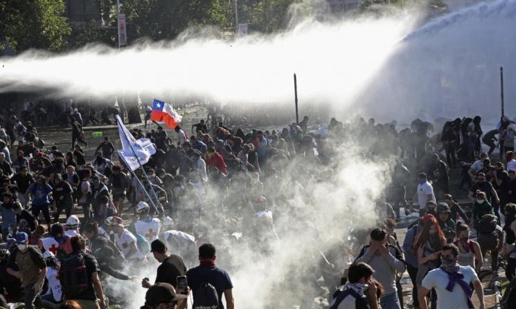 Протест из-за 8 копеек. Почему белорусам не понять чилийцев