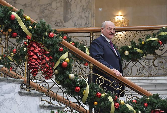 Куда идут наши налоги: половина госбюджета тратится на содержание Лукашенко и его чиновников