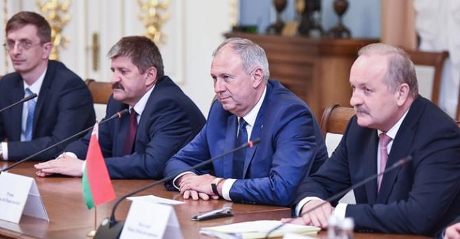 'Румас, Ермолович, Крутой и Турчин не смеют в лицо сказать Лукашенко, что его задание уже провалено'