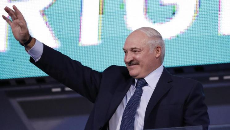 Между Кремлем и исторической памятью: поедет ли Лукашенко в Вильнюс и Варшаву