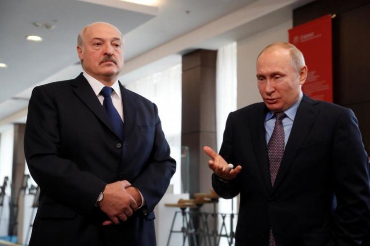 Российский политолог: Лукашенко отказывается принять новую реальность