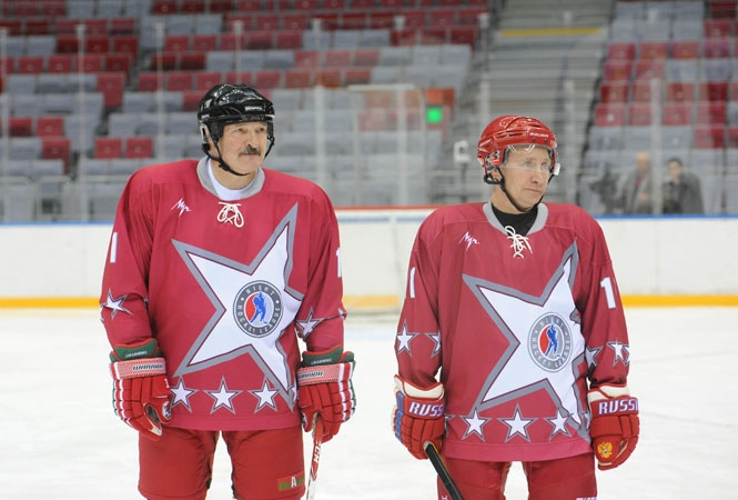 Lukashenka and Putin playing hockey in Sochi, 2014. Source: belaruspartisan.by