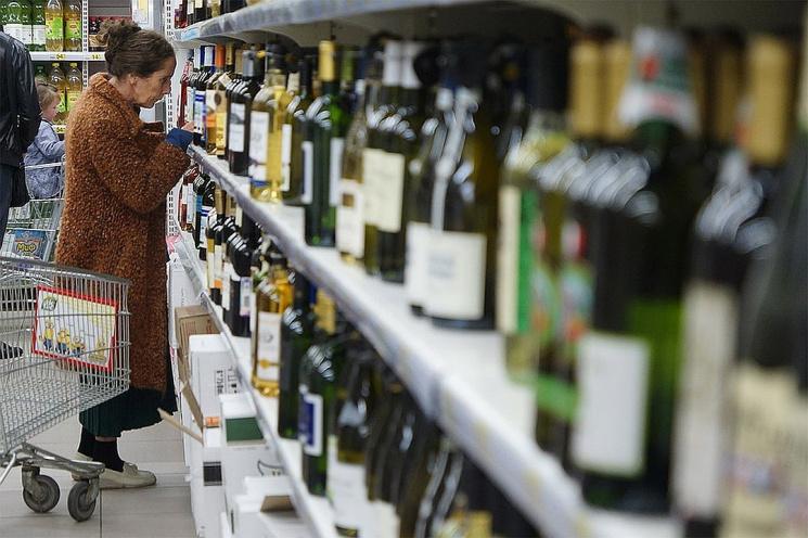 Резко протрезвели? Почему Беларусь не попала в список самых пьющих стран