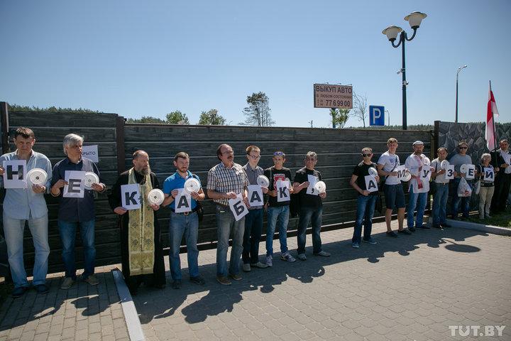 «Не любят оппозиции, шутят над Северинцем»: рассказ бывшего работника самого скандального ресторана Беларуси