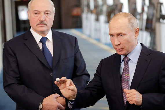 Ультиматум пока не прошел: Россия за кредит требовала 'интеграции', Беларусь нашла деньги в Китае