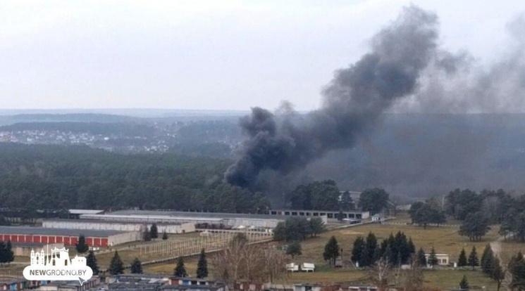 Пожар в военчасти: очевидцы слышали мощные хлопки — сгорели 3 танка