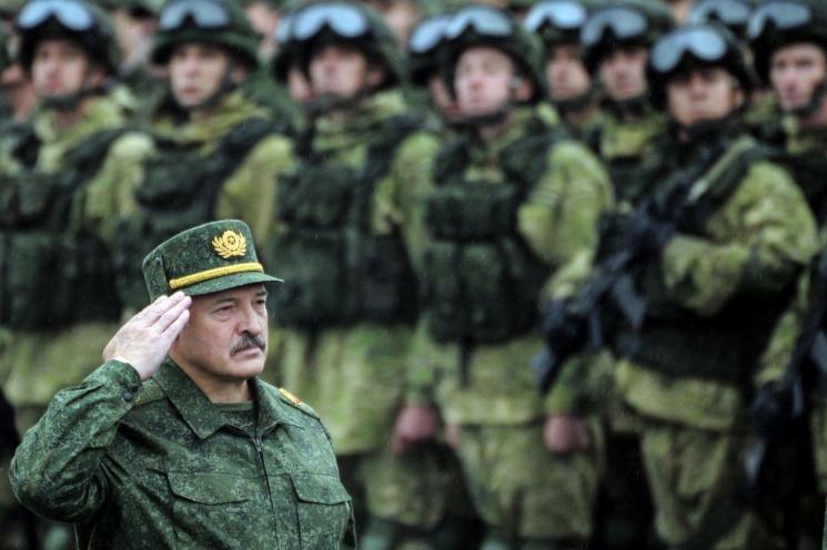 На шаг ближе к катастрофе: депутаты приняли в первом чтении скандальный армейский законопроект