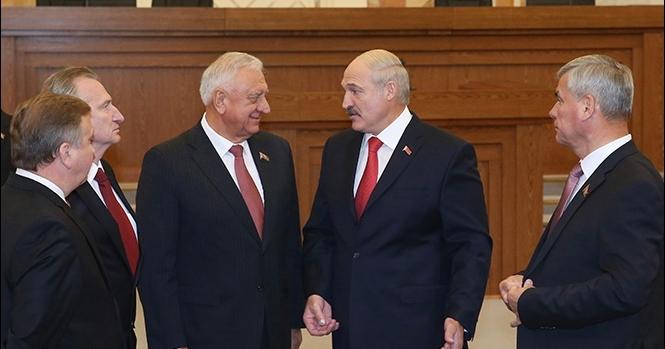 """Белорусское """"политбюро"""". Им уже за 70, но так не хочется уходить из власти"""