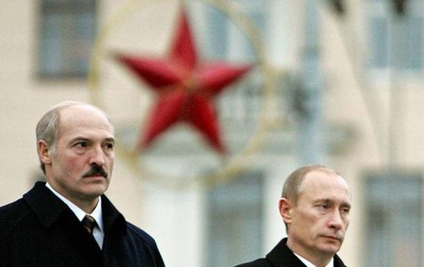Политолог: Россия с большим удовольствием сделала бы Беларусь своим сателлитом