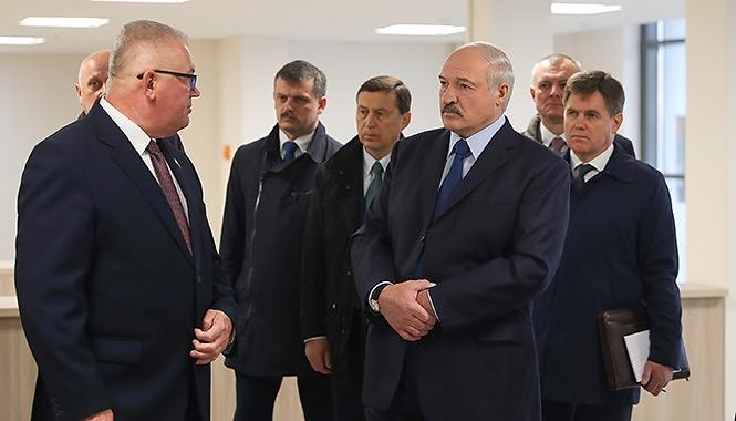 «Карпенко присвоил себе полномочия президента». Министр образования возглавит избирательный штаб Лукашенко?