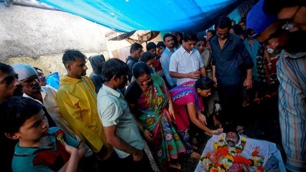 Трагедия вИндии: 100 человек погибли оталкоголя