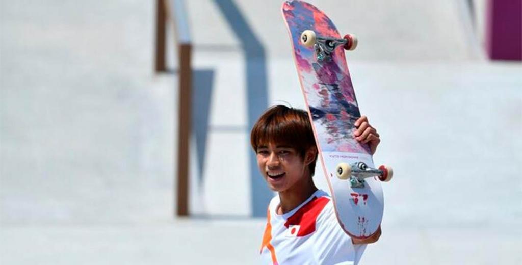 Появился первый в мире олимпийский чемпион по скейтбордингу