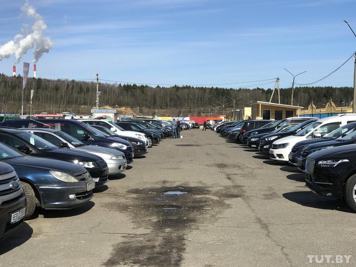 В Беларуси расширили список граждан, которые могут пригнать машину из Европы по льготной растаможке