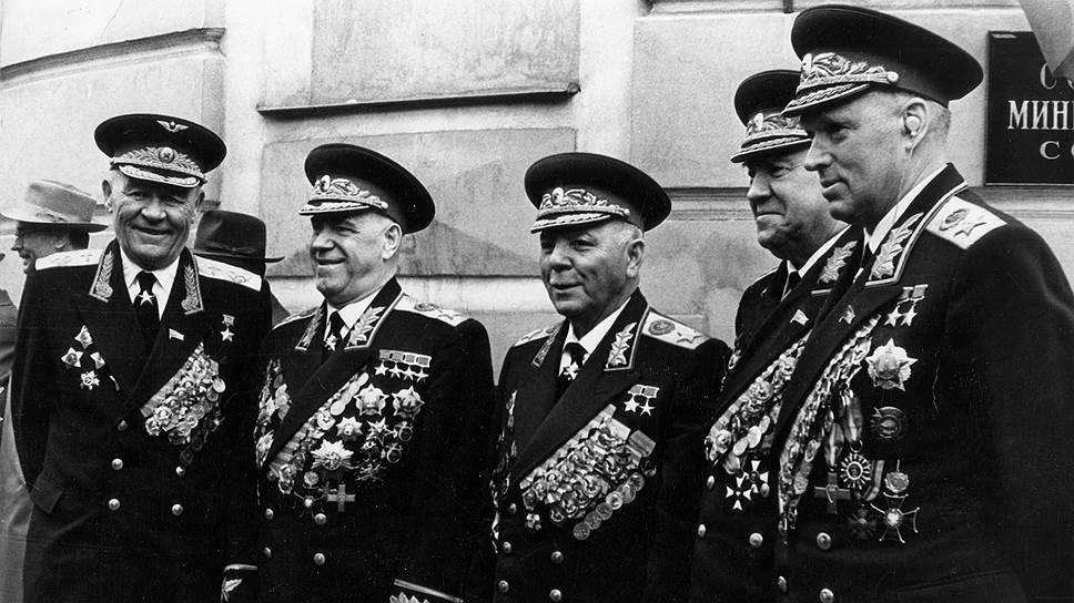 маршалы советского союза картинки плавания