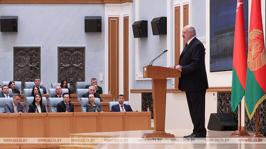 Лукашенко: в гробу карманов нет. Суверенитет и независимость не продаются