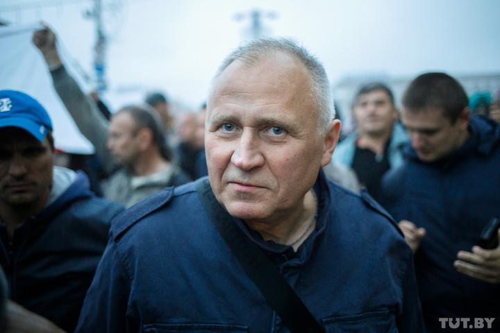 Мнение: Власти своими обвинениями делают из Статкевича Кастуся Калиновского