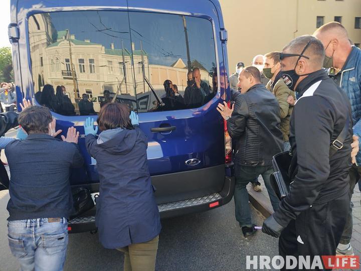 'Дело Тихановского': Бобровского и Наумика выпустили из СИЗО