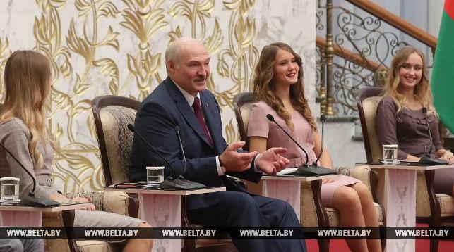 Лукашенко поведал о собственной спортивной норме ипообещал поддержку любителям воркаута